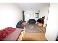 2 bed room flat with large reception in a great location, Mile End/Stepney Green, E1