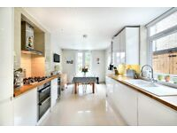 Beautifully presented three double bedroom property - Brockley Grove