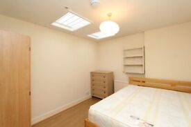 DISCOUNT ENDS IN MAY- Double Single use Room to rent in Mile End E3