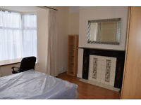 Short Let 4 months. Professionals/students. Newly furnished. Wifi. City Centre.