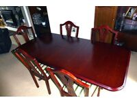 Mahogany Dining Table with 6 Chairs, rectangular and extendable