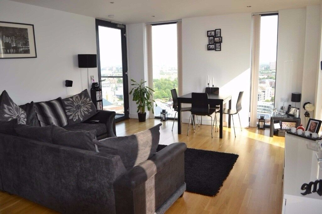 2 Bedroom Top Floor Apartment With Double Parking Dia City Uk Salford Quays
