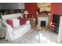 2 bedroom ground floor flat in Torre, private parking, near town, beach and Torbay Hospital