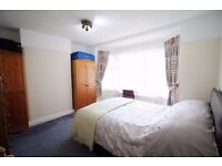 Bright and ULTRA NICE Double / Twin Room, zone 2 ** jubilee line