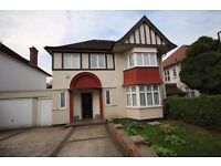 AVAILABLE NOW!! Modern 5 double bedroom detached house available on Cheyne Walk, Hendon, NW4
