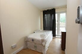 5 NEW ROOMS Great opportunity for group of friends to house share.