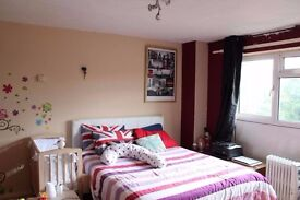Luxurious master bedroom available for rent in plaistow – only 2 mins walk from station!!
