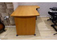 Corner / L-Shape Desk