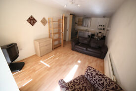 Two bedroom apartment in a modern complex - very close to city centre and close to universities