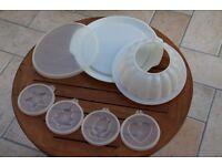 Vintage retro Tupperware large jelly/ mousse mould
