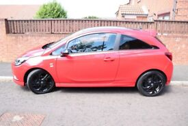 Sporty looking 3dr hatchback with 17 inch 5 black alloy wheels, sports styling kit and black roof