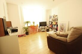 2 BEDROOM FLAT TO RENT ON A LOVELY ROAD IN QUEENS PARK!