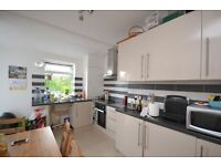 Three bedroom first floor flat with garden and resident parking in Leslie Road, East Finchley