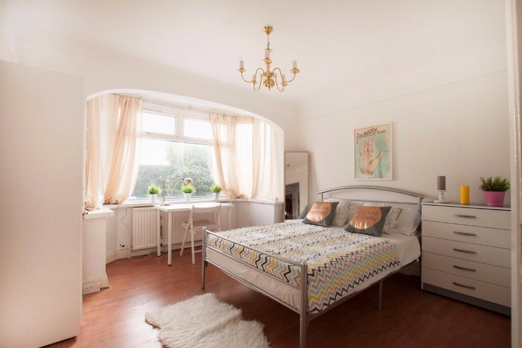 ++Amazing&Big Rooms in Hanger Lane!!Bill Included