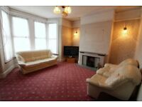 Massive 5 Bedrooms Semi-Detached House close to Seven Kings Station, Ilford --No DSS Please
