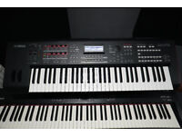 YAMAHA MOXF6 (WITH GIG BAG) MINT CONDITION FOR SALE