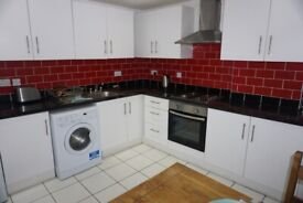 Modern 3 Bedroom Apartment to Rent in Whitechapel E1