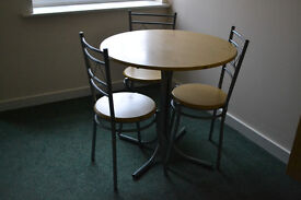 Dining table and chairs £10 ONLY!!! GRAB A BARGAIN TODAY!!! CONTACT ASAP TO AVOID DISAPPOINTMENT!!!!