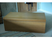 Oak veneer blanket box