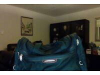 Carlton travel bag good condition
