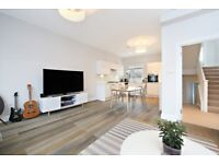 Beautiful three bed / 2 bath flat - moments from Parsons Green - amazing decor - avail 24/10