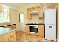 4 bedroom flat in Brook Lodge, North Circular Road, Golders Green, NW11