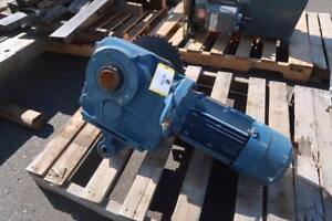 Gear Reducer with Sew Eurodrive Motor (11619)