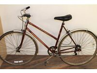 Classic Ladies Peugeot town bike. 21inch Lightweight frame,Mudguards,5 gears, rare burgundy red, VGC