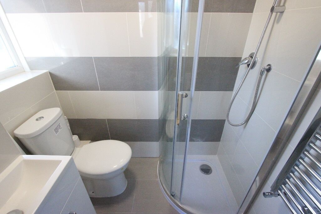 ROOM with Toilet. TO LET. AVAIL NOW. Close to ASDA, Uni, Galleria, Train & More. Hatfield. Call NOW