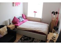 N14 Double Room. Suit SINGLE professionals only. No Dss. SUIT SINGLE PEOPLE ONLY. !! ROOM ONLY!!!