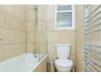 *** Top floor 2 Bedroom Flat Located close to Maryland Station***