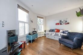 One Bedroom flat, Lebanon Gardens, SW18. Available from 20/12 furnished