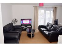 2 BEDROOM FLAT IN HIGH ROAD LEYTONSTONE WITH WI FI,SLEEPS 6