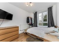 *** 3 Double Bedroom Flat With Seperate Kitchen & Living Room Close To East Dulwich Station ***