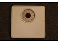 Weight scales for individual use