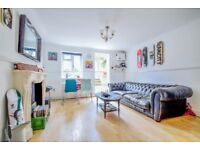 A very spacious two bedroom garden flat located in close proximity to Rectory Road station N16