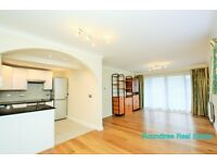 2 bedroom flat in October Place, Holders Hill Road, Hendon, NW4