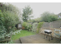Beautiful three bedroom flat with private garden