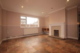 Stunning airy and bright 3 bedroom garden house in Tilbury MUST VIEW RM18 !!!!!!!!!!