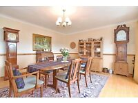 Plan Dining Table and 6 Chairs, beautiful condition