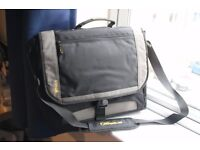 Targus 15.6-16inch+ laptop carrier bag - used but in good condition