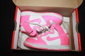 Nike Hightop dunks (pink/white) Size 8.5