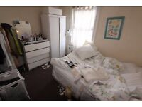 2 BEDROOM CONVERSION APARTMENT IN VERY GOOD CONDITION MINUTES WALK FROM STOKE NEWINGTON RAIL STATION