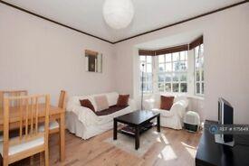 2 bedroom flat in Albion Avenue, London, SW8 (2 bed) (#1175649)