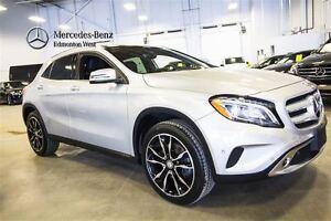 2016 Mercedes-Benz GLA250 4MATIC Premium Plus w/Parktronic