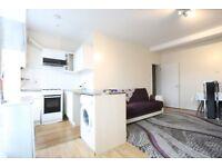 2 bedroom flat in Hermitage Road, Stamford Hill / Seven Sisters, N4