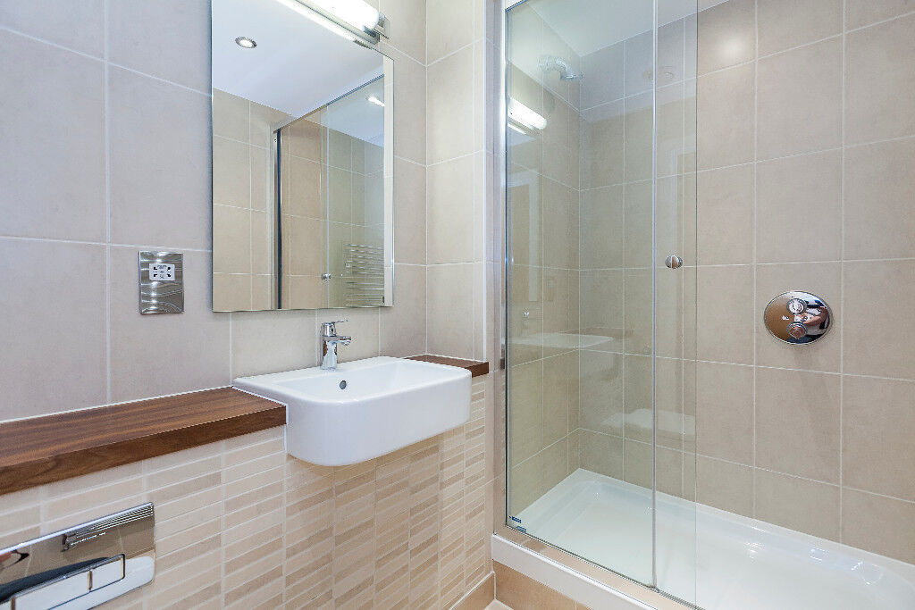 2 Bed 2 Bath Flat to Rent in Stratford Halo - 41st Floor ...