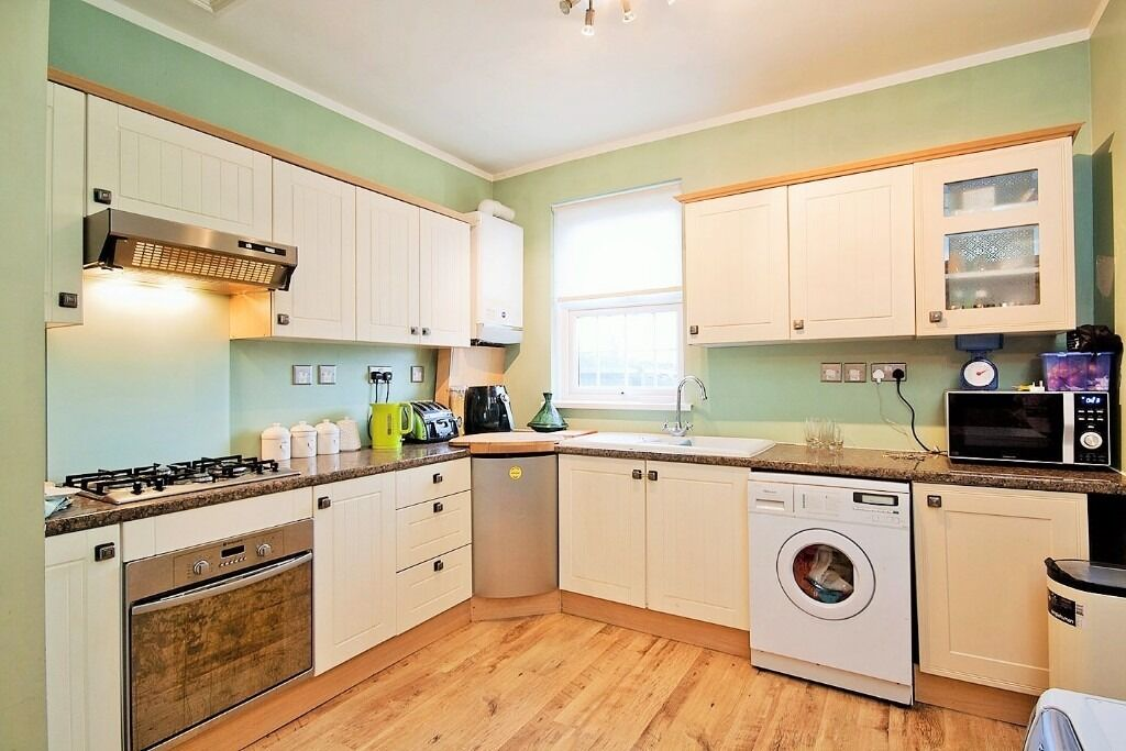 AVAILABLE NOW - FOUR BEDROOM HOUSE FOR RENT IN BOW CONSERVATION AREA E3