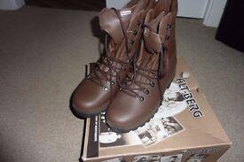 NEW ALT-BERG Mens Combat Boots Brown Size 10