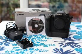 Canon EOS 7D Digital SLR Camera with 4GB Memory card